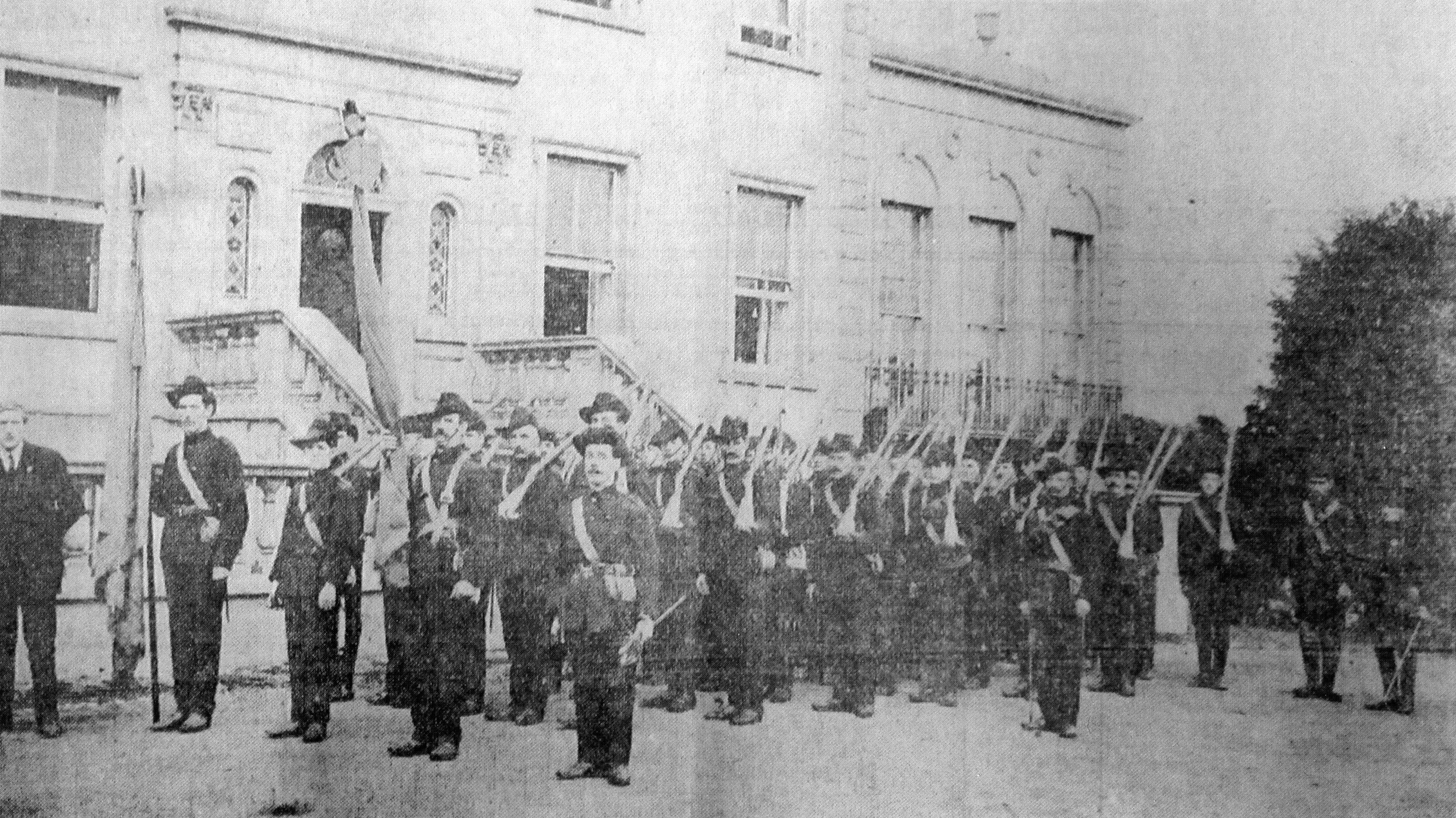 ICA at Croydon Park, James Larking to the left, April-October 1914